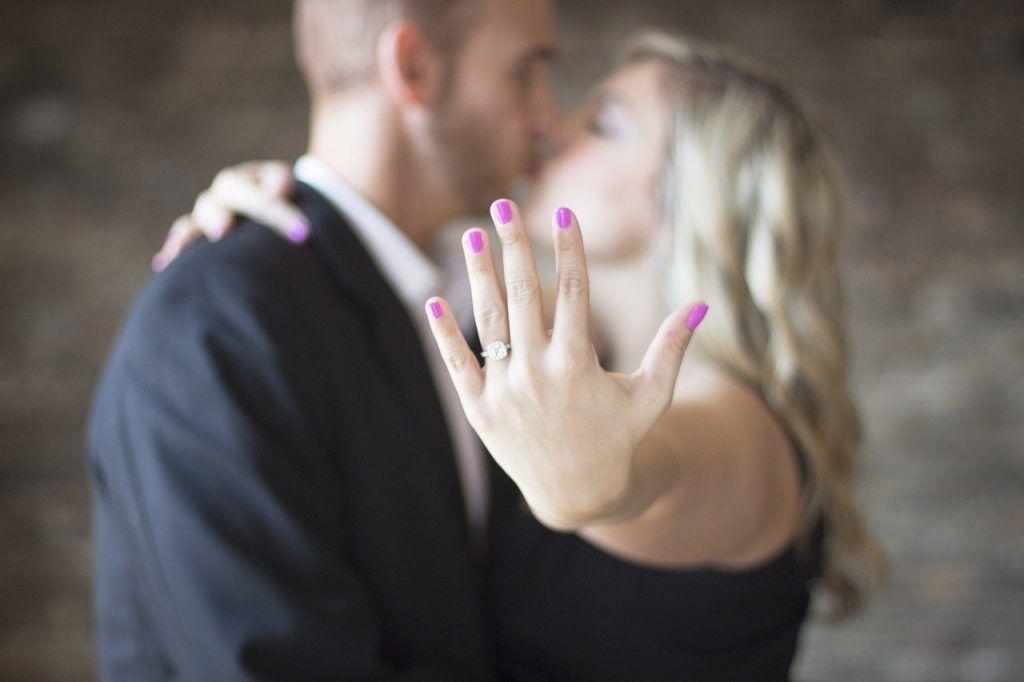 """8 anillos de pedida preciosos para que diga """"sí quiero"""""""