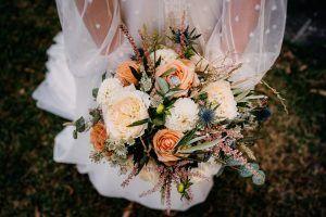 Las 6 tendencias en ramos de novias este año